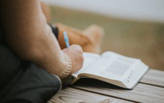 10 libros clave para un(a) instructor(a) de MBSR